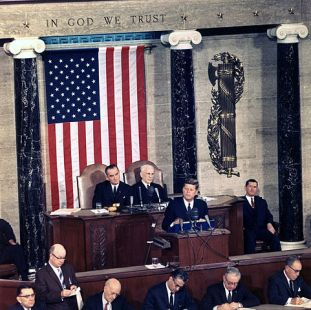 481px-JFK_delivers_State_of_the_Union_Address,_14_January_1963